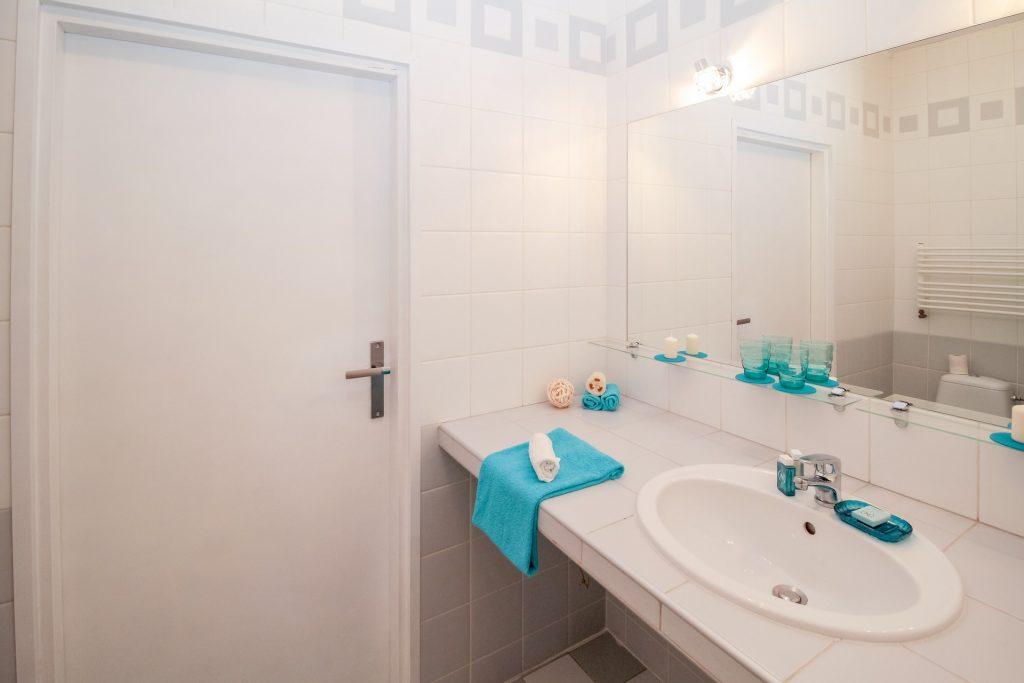 custom wall mounted vanity