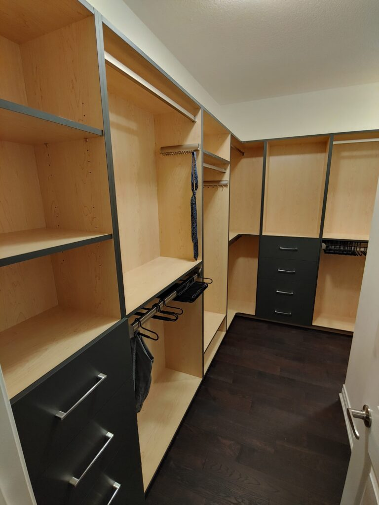 modern-wardrobe with shelving and drawers-richmond-hill-