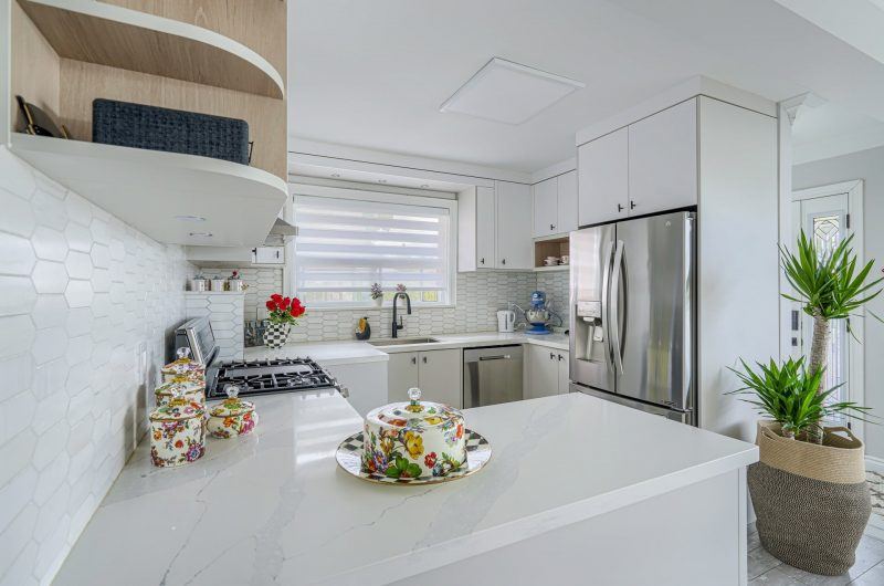 custom kitchen with marble counter top - kitchen design by clearview kitchens
