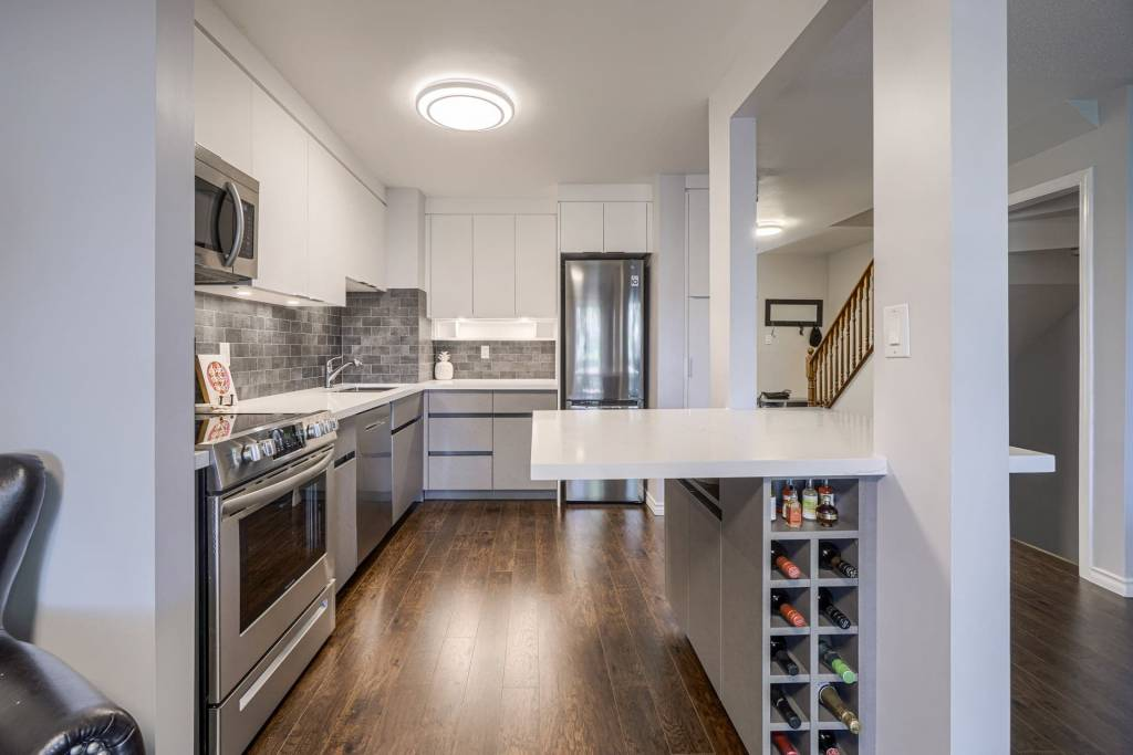 kitchen cabinetry replacement toronto