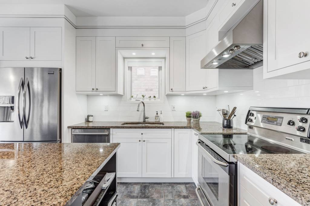 amazing kitchen refacing in toronto