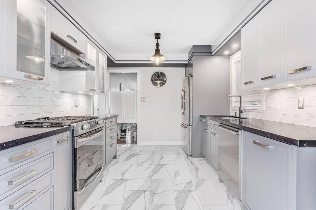 custom kitchen cabinets toronto