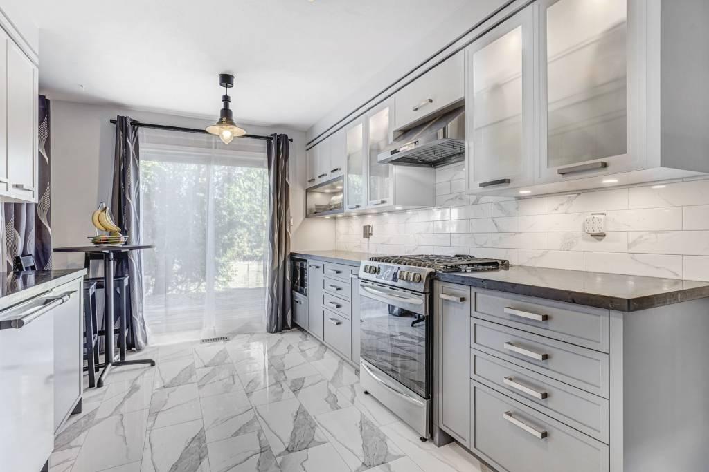 custom kitchen cabinets services toronto