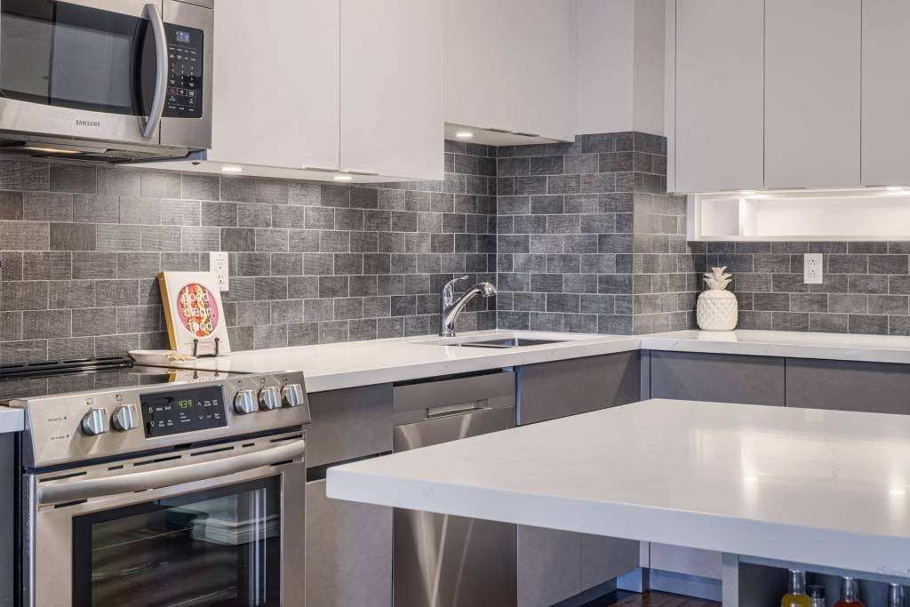 Amazing Brick Splash Wall and Custom Kitchen Cabinets in Kitchen Remodeling Project Mississauga