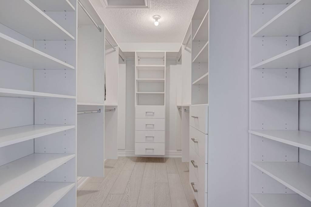 Amazing Walk in Closet Refacing Brampton