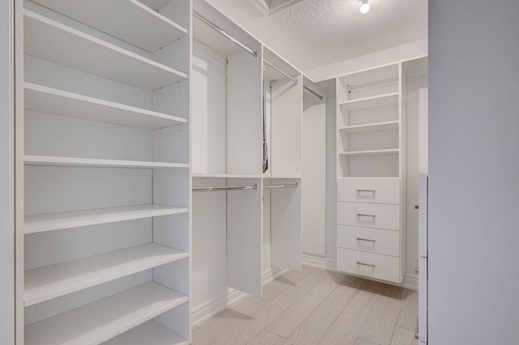 Custom Walk in Closet by Clearview Kitchens North York