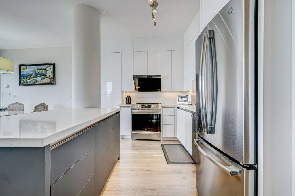 Amazing kitchen refacing project