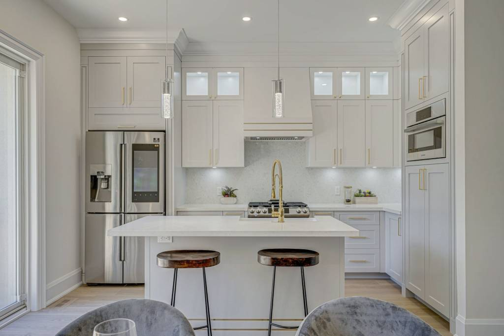 Luxury Kitchen with Build in Appliances
